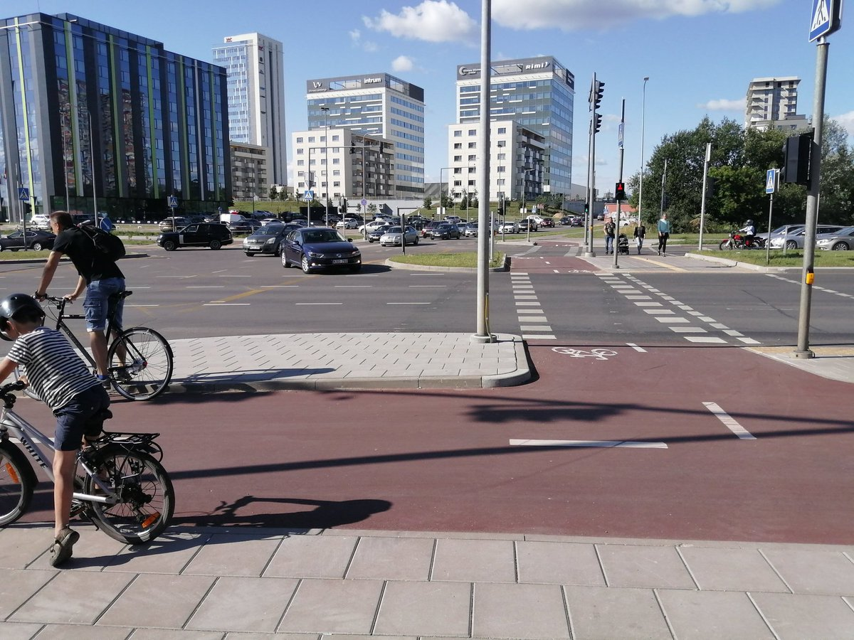Lior Steinberg On Twitter Amsterdam Utrecht Groningen No It S Vilnius Showing That Non Dutch Countries Can Get Intersections Right Bravo Thanks Otucis For Sharing Https T Co 2fwzg0y3zc