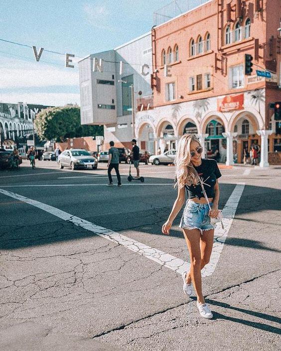 Hello Venice Beach... you are so iconic! Wave below if you've been there! #lifesoleil#traveldestination #travelmemories #travelgift #travelguide #travelbag #travelbook #travelnow #travelaroundtheworld #camping#glamping #athomeinworld #travelawesome #passportpic.twitter.com/sVwann7JUz