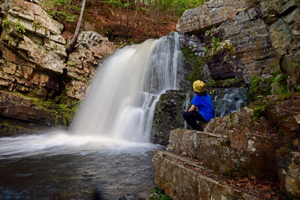 One of the easiest and prettiest falls to see in West Hants County; Ettinger Fall aka Fall Brook Fall near Three Miles Plain or Windsor.  Find it via trailpeak or my waterfall guide. @HikeNS @TourismNS #NSstaycationpic.twitter.com/wXJ33ZTDSo