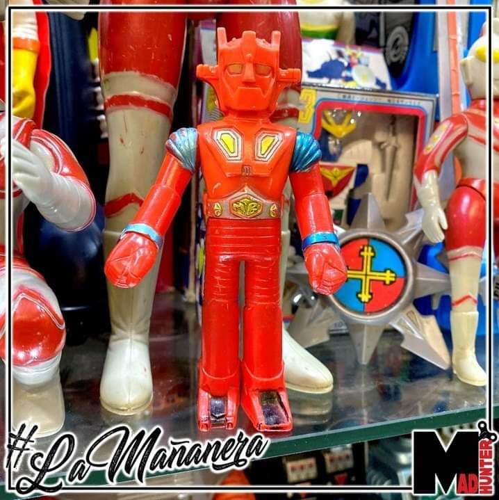 #MachBaron el Súper Robot es uno de los personajes más famosos del género #tokusatsu. ¡Todas las figuras antiguas de este muñecón demandan top dollar, y este #sofubi japonés no es la excepción! #Madhunter #LaMañanera #Japón #Tesoro #70s #VintageToyspic.twitter.com/lWcxwHSPm6