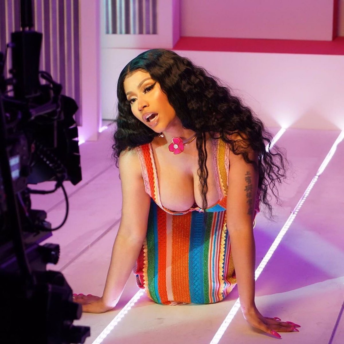 .@NICKIMINAJ has now surpassed 21 million subscribers on YouTube. She's just the 10th most-subscribed female artist on the platform.