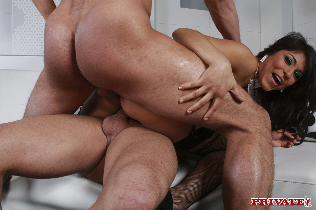 Laura vargas with hairy bush prefers hard anal sex photo