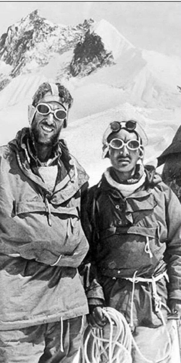 @Pucurull Edmund Hillary i Tenzing Norgay pocs dies abans de pujar al cim #everest. (1953) https://t.co/Cuad7wlZo7