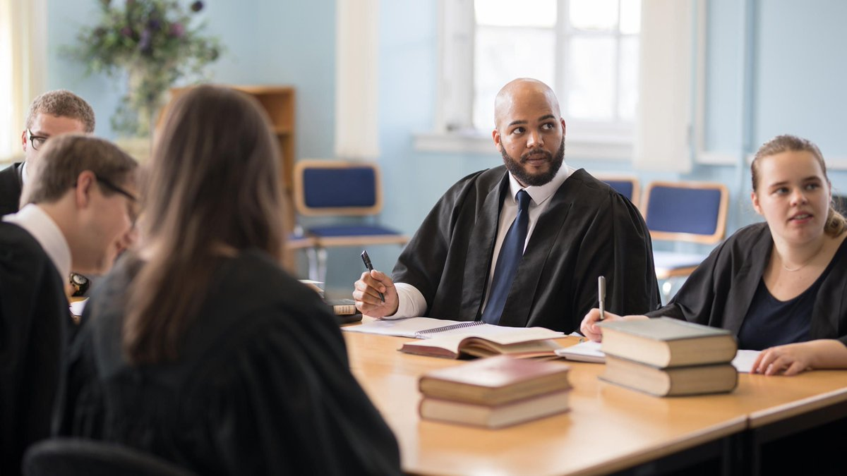 Further your #LegalCareer with a Postgraduate Degree in Corporate & Commercial Law! This  @LawDundee #LLM gives you a comprehensive understanding of the core issues including intellectual property law.  Find out more: 👀 https://t.co/i6XUykVXyI #StudyInUK #LawStudents #Lawyers https://t.co/NC5h6auxsf