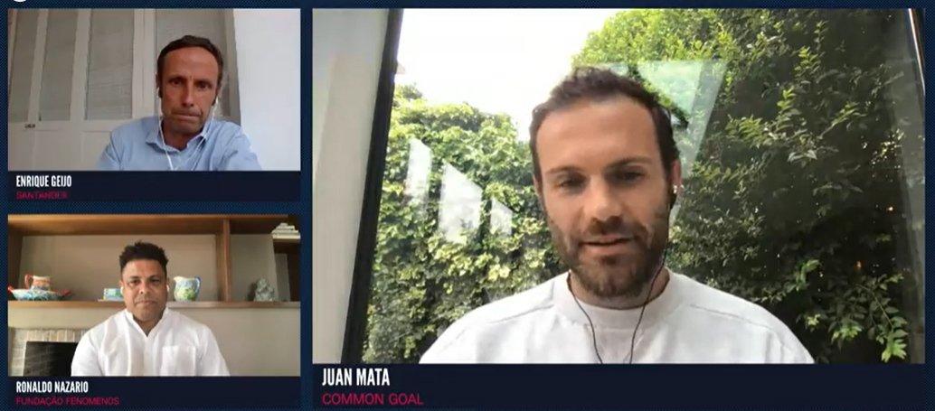 """#WFSLive sesión moderada por Enrique Geijo de @bancosantander con @Ronaldo y @juanmata8 #PlayersTogether y como el fútbol sirve para contribuir a los objetivos del desarrollo sostenible. """"Devolver a la sociedad lo que el Fútbol nos ha dado"""" @WFSummit https://t.co/xEJp3MsjT8"""