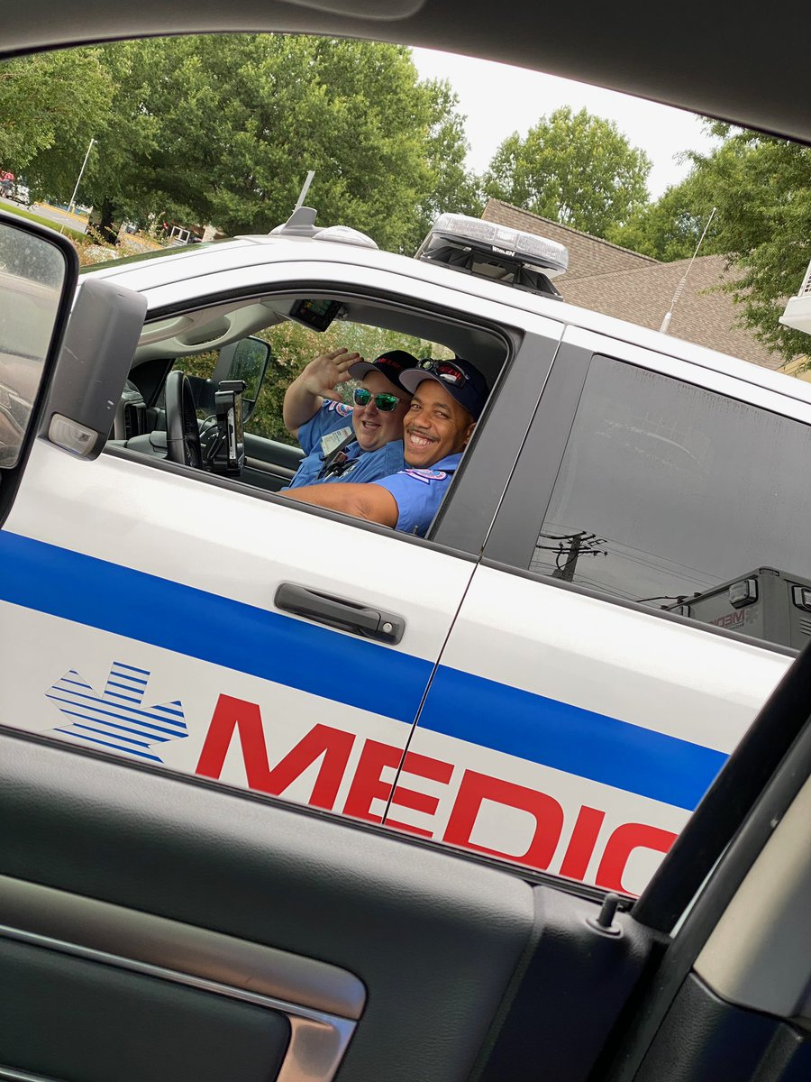Happy Wednesday! It's okay to smile even if today isn't the middle of your workweek!! #medic911<br>http://pic.twitter.com/fh6ULaKhw5