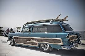 #wagonwednesday I would love to have this ride #surfwagon<br>http://pic.twitter.com/ach0D4W3Ty
