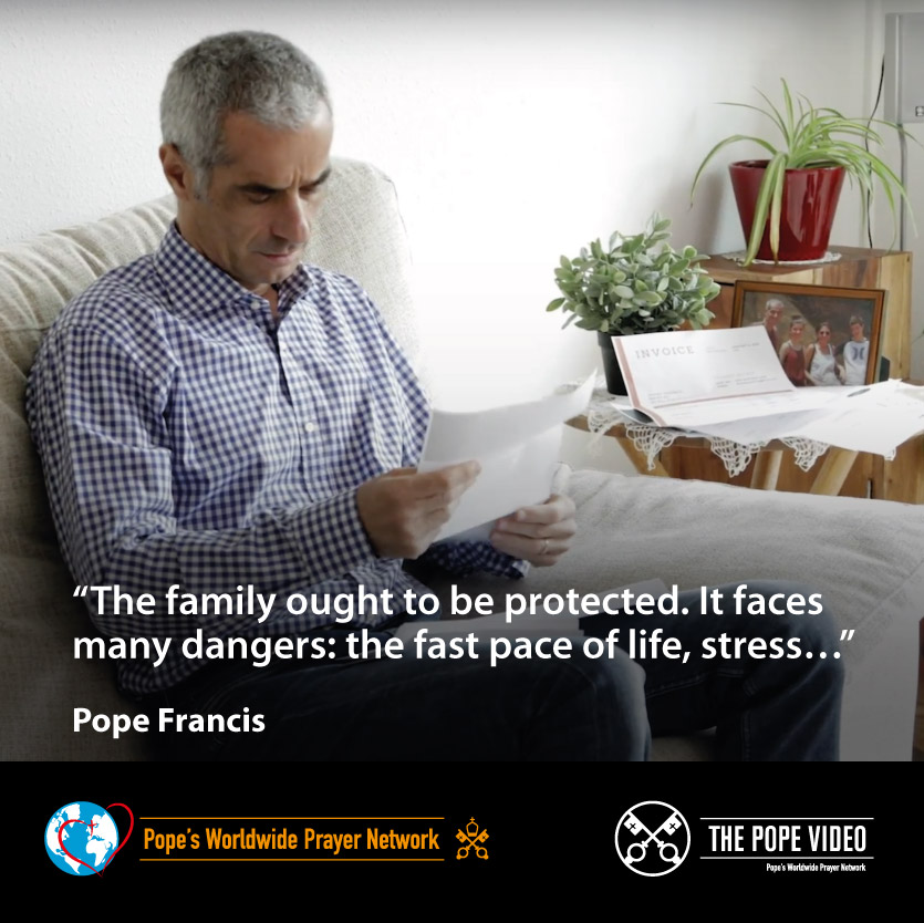 .@Pontifex tells us that the rhythm of life today is a great danger for families, especially in these moments of crisis. #AccompanyWithLove #ThePopeVideo @LaityFamilyLife youtube.com/watch?v=IGZJRu…