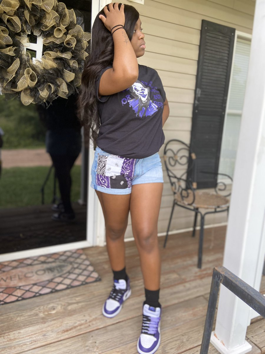#WhosWhoOfTxsu   hey.  > I'm Tamia  > TXSU'24  > biology major/ psychology minor > Mississippi  > I'm goofy, fun to be around, sweet & outgoing. Speak when you see me!  <br>http://pic.twitter.com/v5dJipWI9C