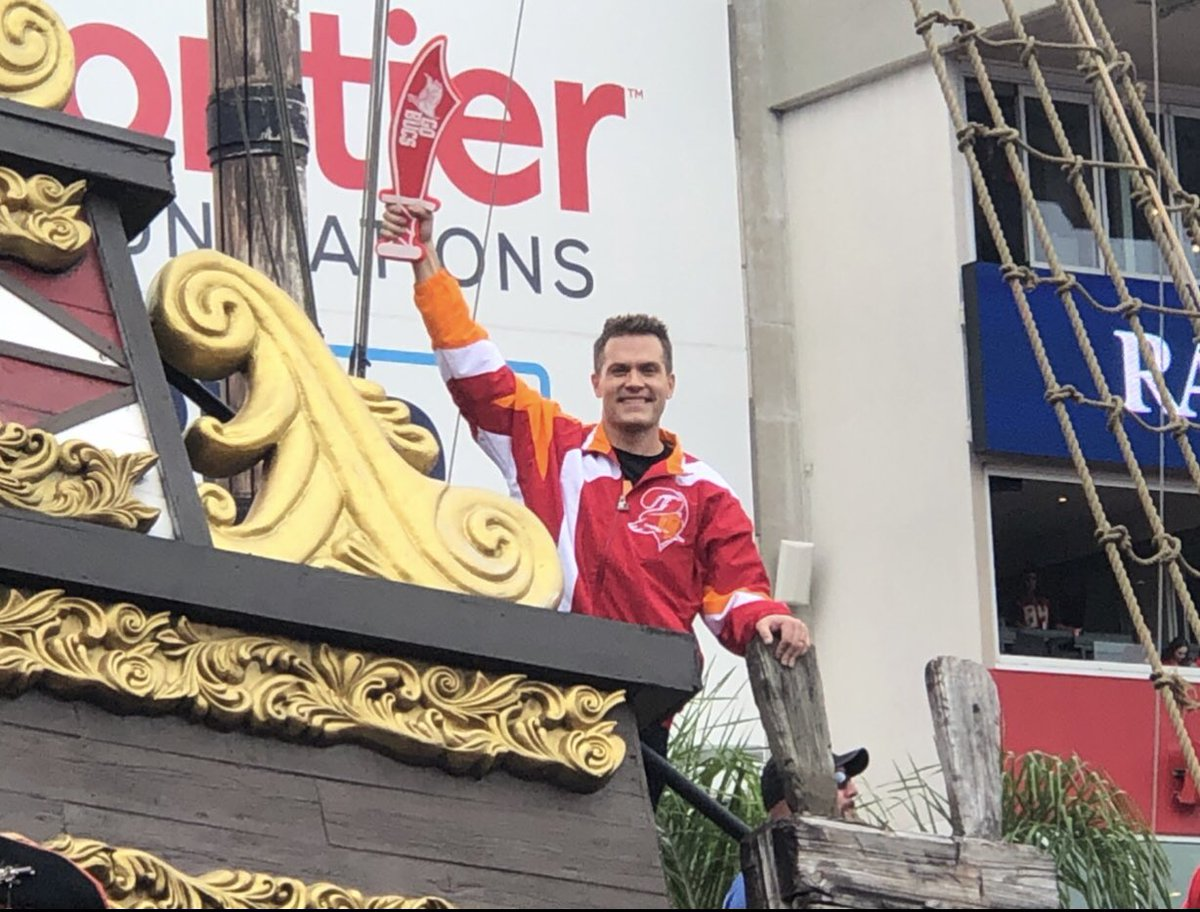 """I talked to a ton of people for our oral history of the Bucs' pirate ship at Raymond James Stadium, and the last was @nflnetwork's @KyleBrandt. Pure gold, especially the """"Deadman"""" button on the ship. """"Can I please push it?"""" https://t.co/lrM8U1IXzo https://t.co/fLzyyc8vZZ"""