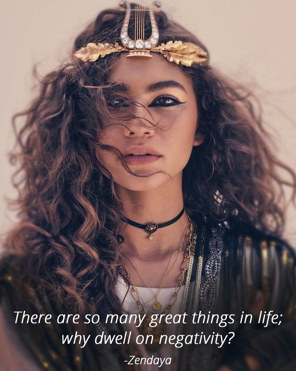 #wednesdaywisdom #womancrushwednesday . . . . PC: Glamour . #maxagency #MaxAgency #modelingtoronto #actingtoronto #talentmanagement #torontotalent #beautiful #celebrityquote https://t.co/MpAysyP71J