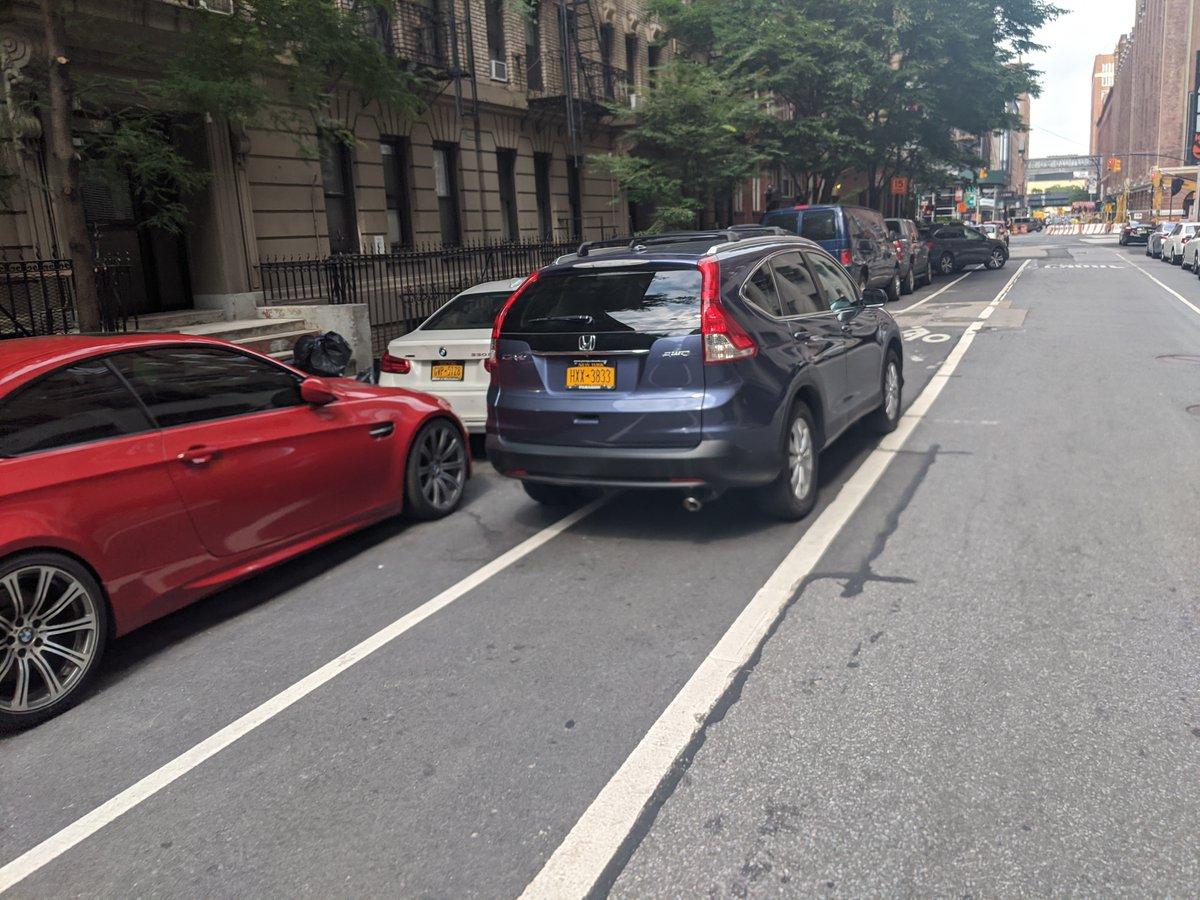 Honda CR-V driver HXX3833 blocked the bike lane near 325 W 15th St on July 8. This is in Manhattan Community Board 04 #ManhattanBoard4 & #NYPD10. #VisionZero #BlockedBikeNYC