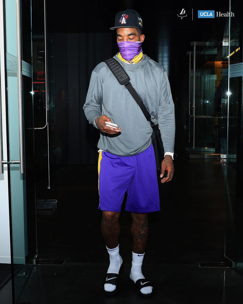 RT @Lakers Be part of this #TeamLA: Wear Your Mask https://t.co/nfmDQYENFK 🏀 #LALakers https://t.co/3MSuM8nMoR
