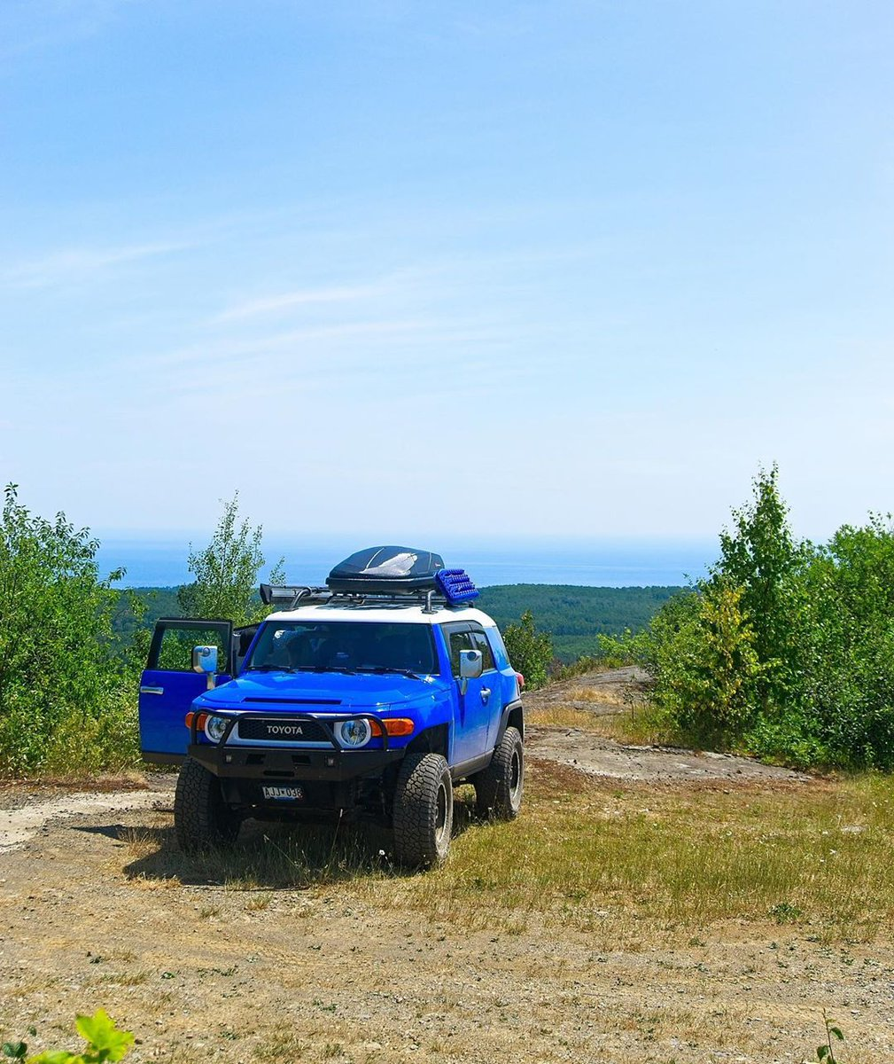 Here's some color to brighten your day! 💙  .  .  .  .  @blue_tortise    #fj #fjcruiser #4wd #toyota4runner #toyota4x4 #letsgoplaces #4x4 #sr5 #trd #t4r #offroad #expedition #prerunner #4runnernation #adventuremobile #toyota #yotanation #toyotatacoma #toyotataco https://t.co/vhOG8Tr6fV
