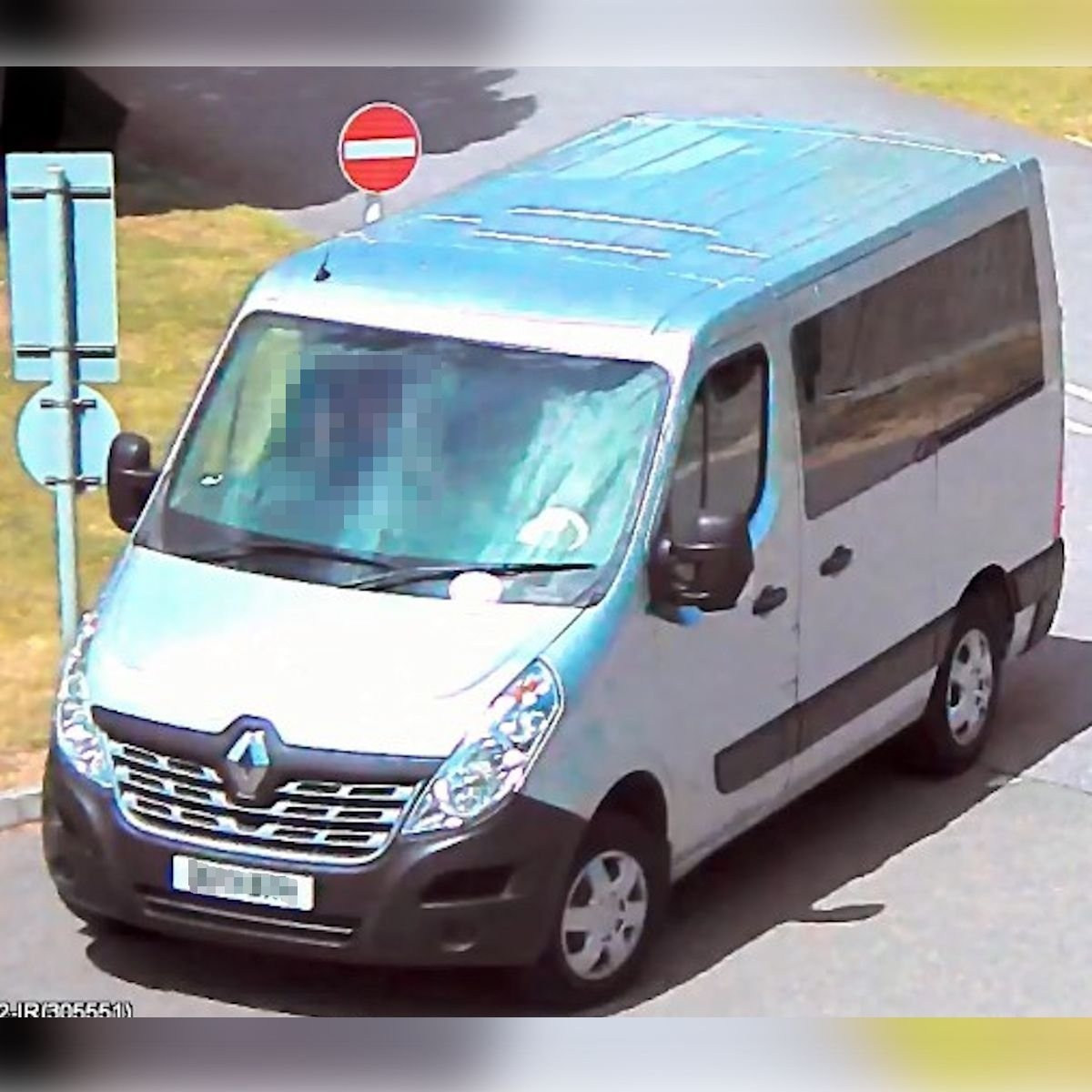 If you have CCTV or dashcam footage from the Shinewater or seafront areas of #Eastbourne between 11pm on Saturday and 2am on Sunday does it show this van? It could be very important in a murder enquiry. Find out how to upload it to us at https://t.co/dDS2D1ixXy https://t.co/p3CT24ca36