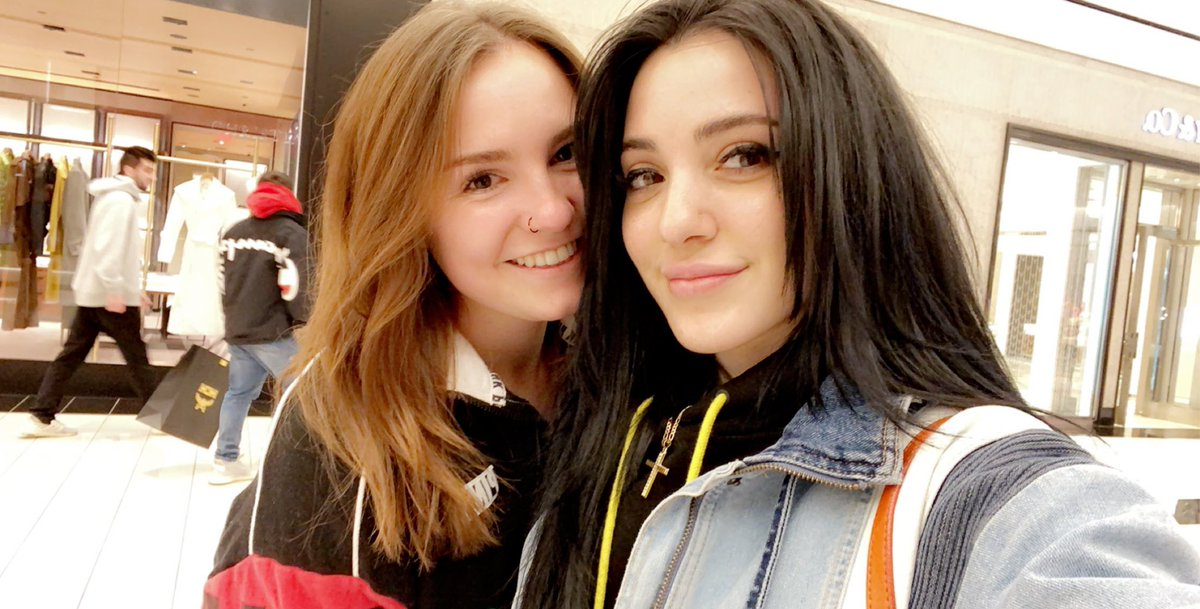 Just remembering the time I met @nikidemar at KOP mall. My life is complete. https://t.co/E0WTfLPtT2