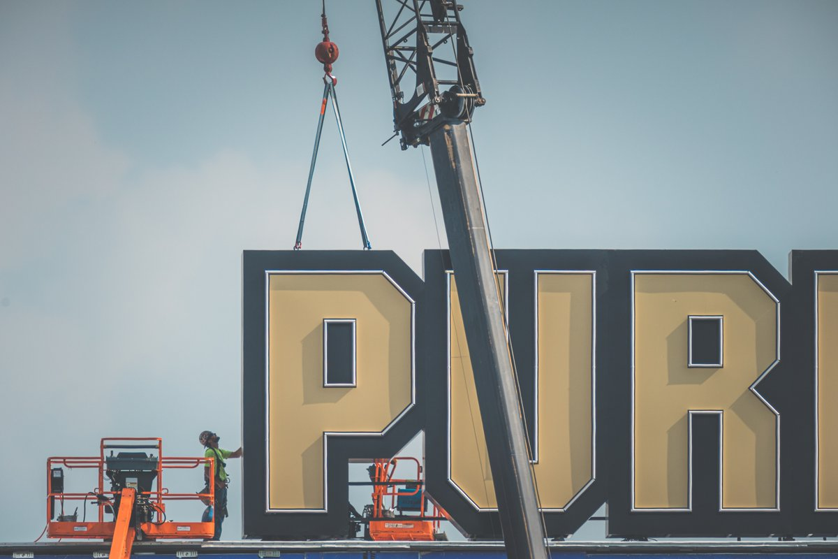 Things are looking up at Ross-Ade Stadium today. #Purdue #SonyAlpha #BeAlpha https://t.co/rXnpQWBgPW