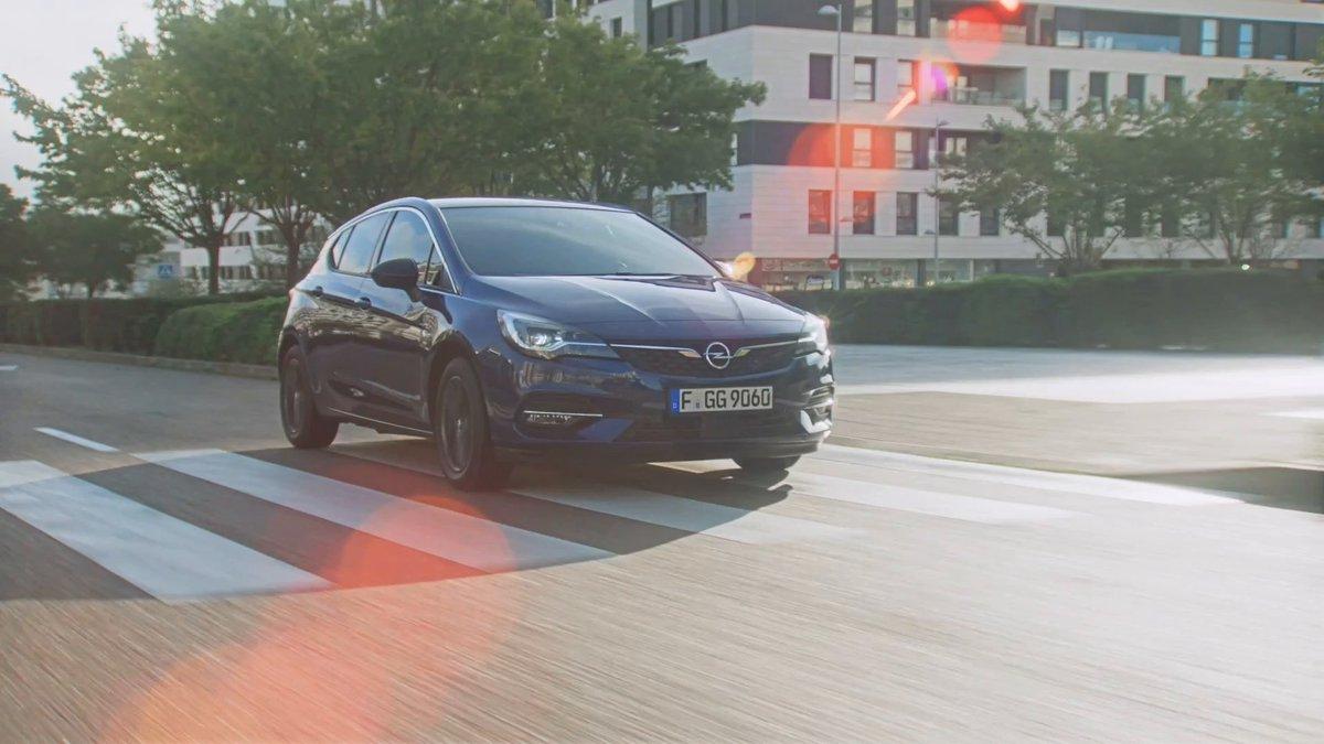 Sjajan primer nemačkog inženjeringa - #OpelAstra. #Opel #OpelSrbija #Astra https://t.co/4ZPwP9HTNz