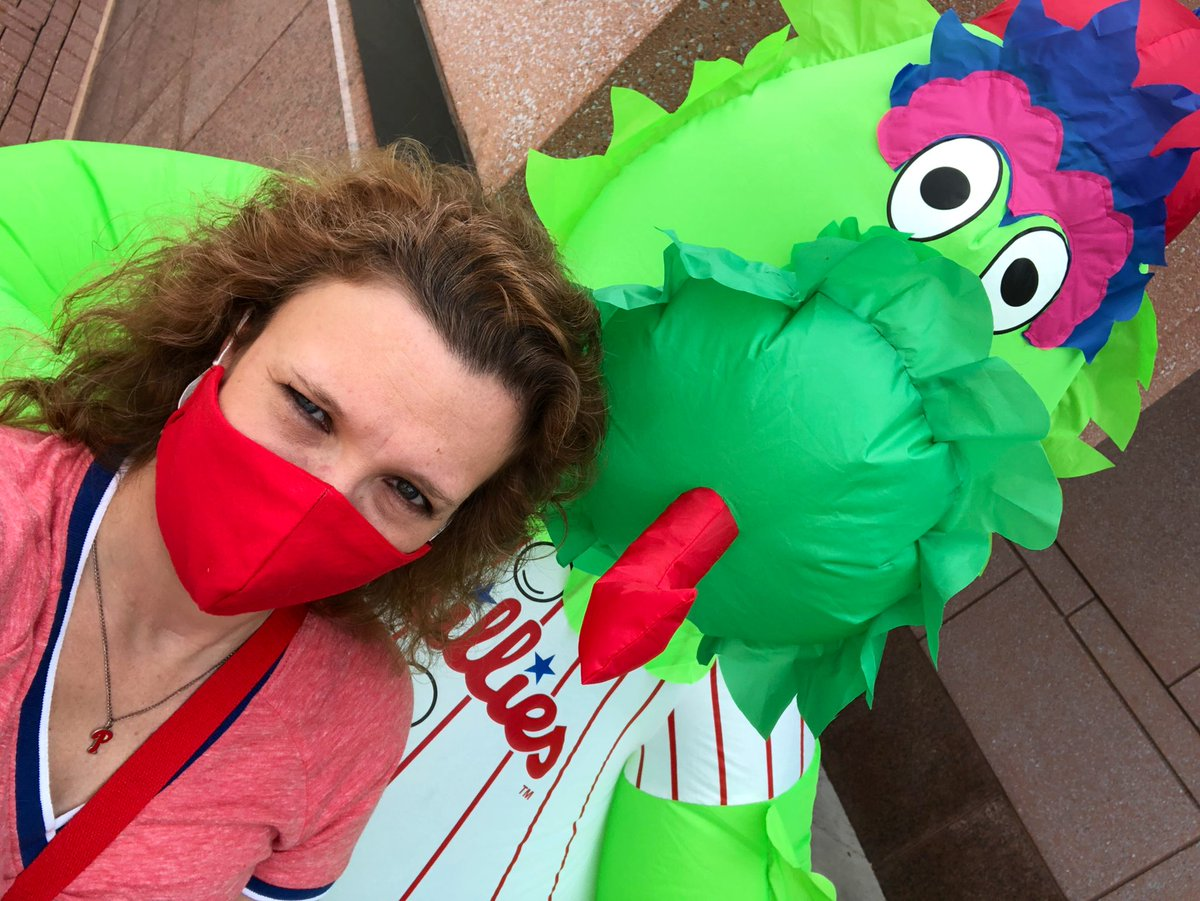 I got to the @philliesNEstore today and finally got my Opening Day pin and this AWESOME headband. I was disappointed to not see any #Phillies masks. I guess I'll have to get more like this one and make it my own. #AuthenticFan #AuthenticPHan https://t.co/0Vjr2MRzC6