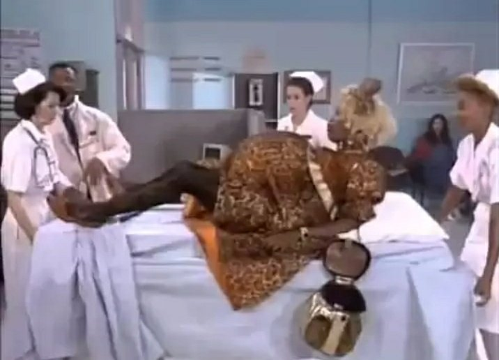 Watch: In Living Color:  'Wanda Pregnant' skit starring Jamie Fox: #laugh #funny #comedyvideo #laughteristhebestmedicine #Quarantine #wednesdaymorning #WednesdayVibes https://youtu.be/8q4L8b8s6mo pic.twitter.com/ckoB91WLp5