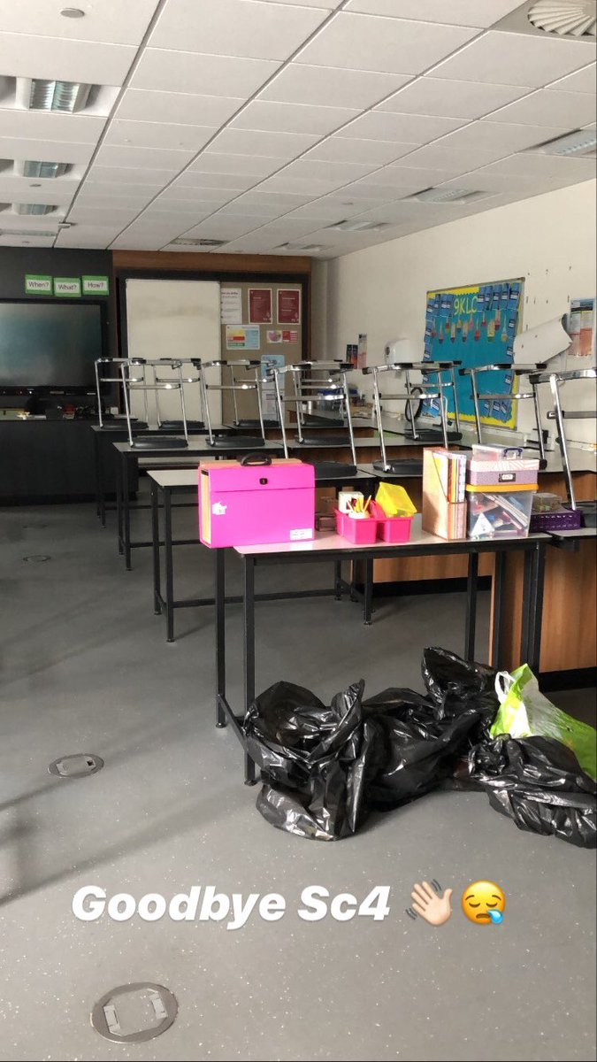 Today I visited my school for the last time to clear out my classroom #endofanera #NewBeginningspic.twitter.com/dfG3yqolWz