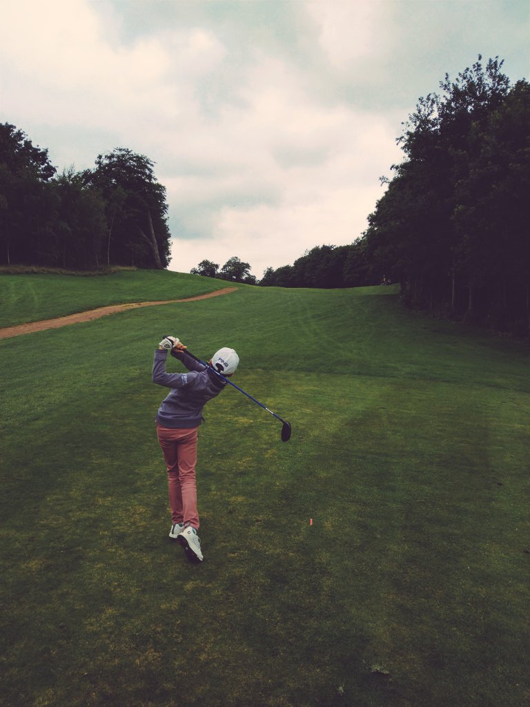 Good round at @CookridgeGC this afternoon...putting still needs some work  but overall happy with shooting a 81! @GhyllRoydSchool @RossallGolf @uskidsgolf @YUGCUK @PingTour @PINGTourEurope #lovegolf #practicemakesperfectpic.twitter.com/GBKjKhyRCc