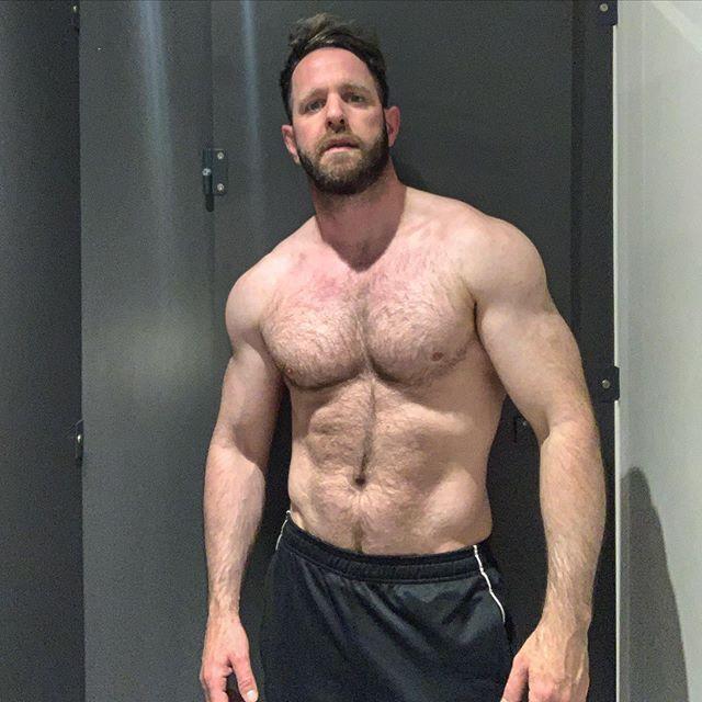 First day back at the gym after three months @ebdxfr ... #instagay #gay #fitness #instafit #gayguy #gaymen #gaygym #scruff #gaydaddy #gym #workout #gayfit #gayjock #gayselfie #training #Instafitness #gayfitness #gayman #men #gayguys #cutegay #gayscruff #selfie #gayselfie