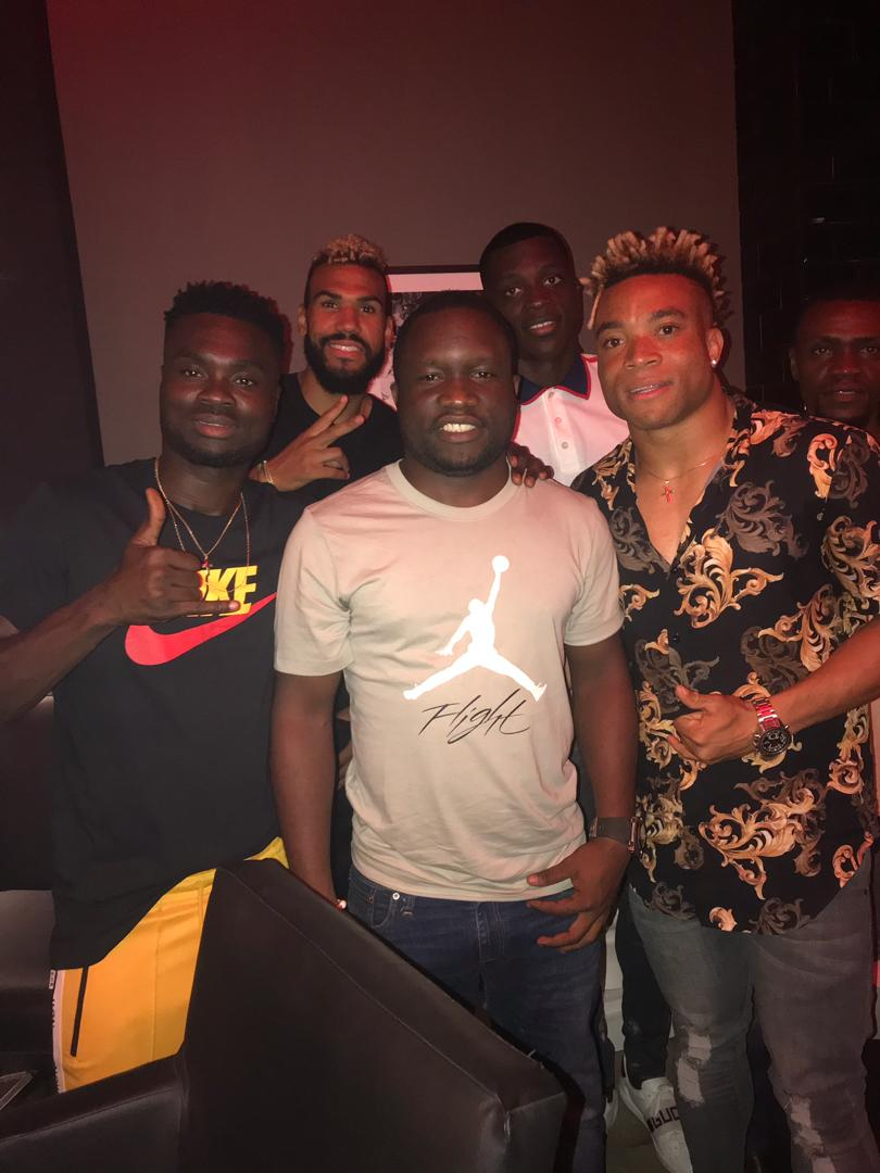 Before #afcon2019 with lions indomitables 🇨🇲🇨🇲🇨🇲 @BoumalOlivier #ChoupoMoting #KundeMalong and #Dawa  @saiedahly @nyongha @akrammtawfik @mahmoudgazar10 https://t.co/WlADgF8WrW