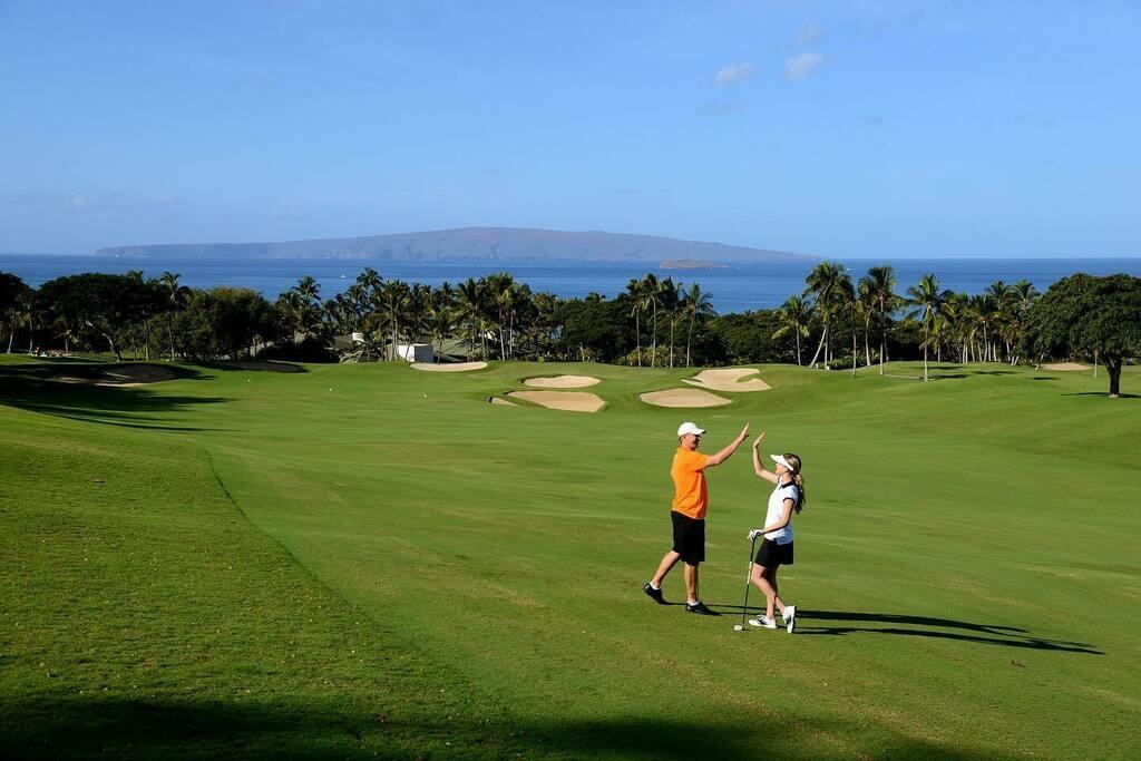 Great memories are made here!  . . . . . . . .  #waileagolf #waileagolfclub #emeraldcourse #playmore #mauigolf #golfmaui #golfstagram #golfaddict #lovegolf #mauihi #mauihawaii #wailea #waileamaui #fourseasonsmaui #grandwailea #molokini #wailearesort #playgolf #playmoregolf …pic.twitter.com/qpQjIGWWsu