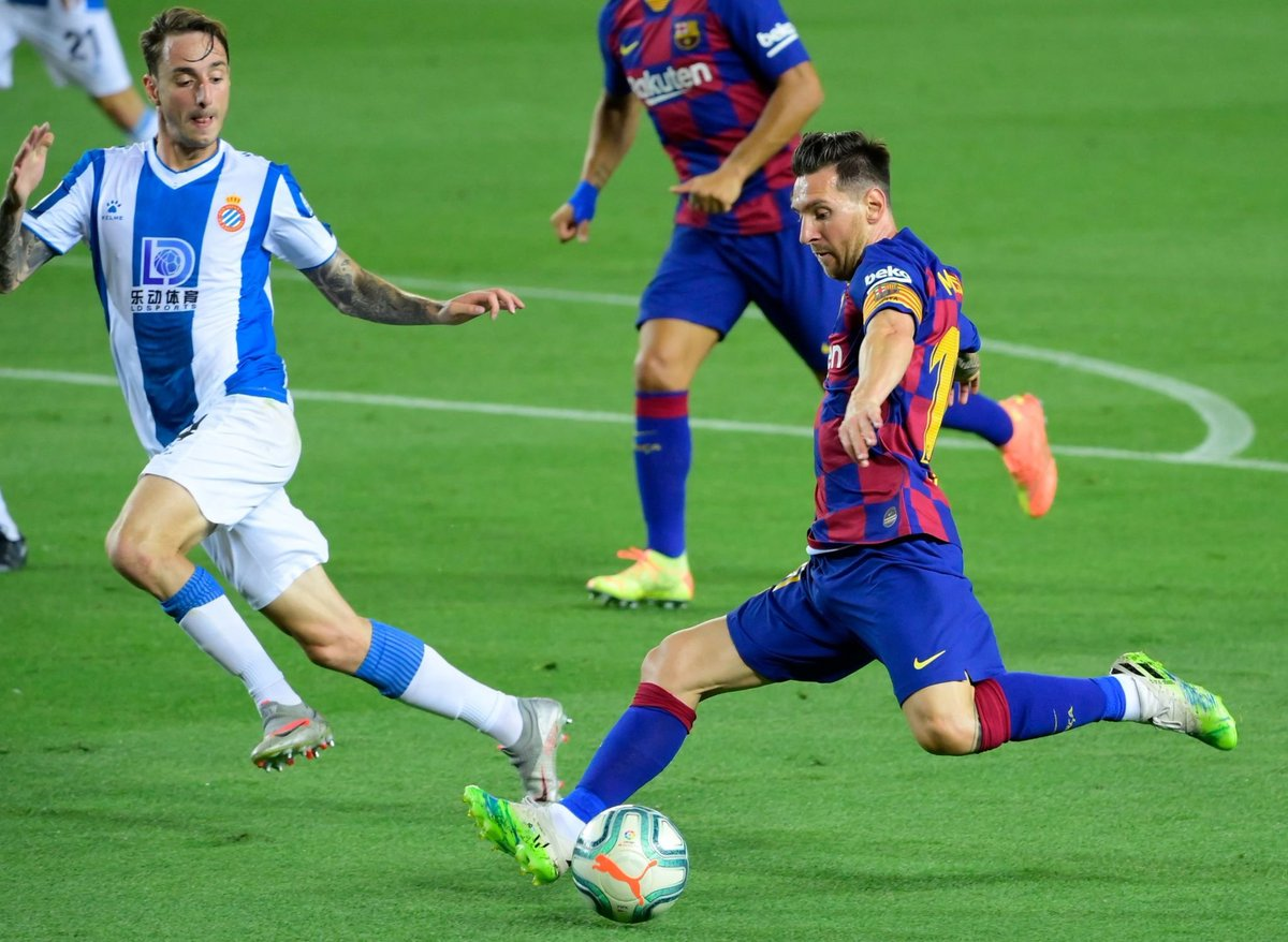 FIM DO PRIMEIRO TEMPO!  Barcelona 0x0 Espanyol. https://t.co/SCYyEmcdXn