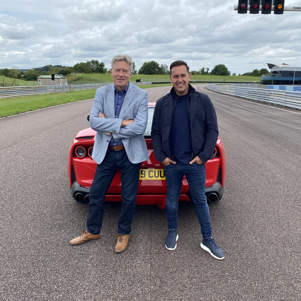 Nice to see some of the @Lovecars team at Thruxton yesterday. @tiff_tv scrubs up well! https://t.co/S7kDwVFjkN