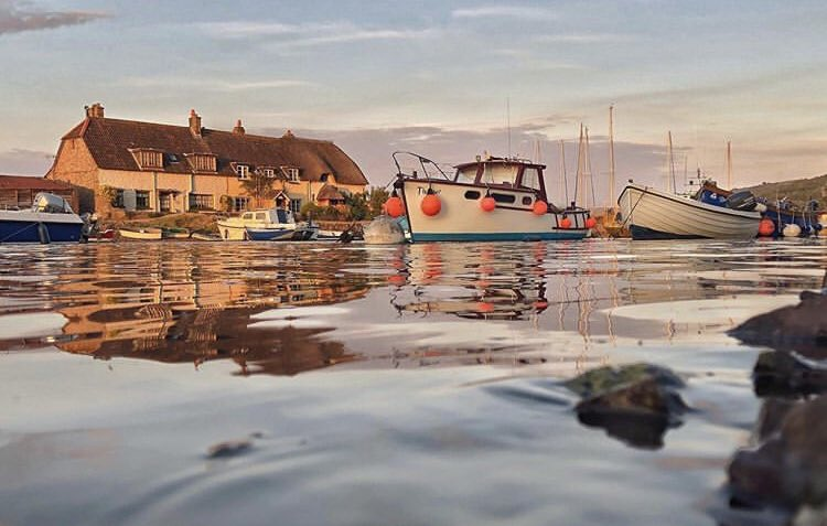High Tide, Porlock Weir by Leanne Coles was the worthy winner of the recent  'Discover Porlock' photo competition for this beautiful shot! Look forward to seeing this in print soon! #Porlockweir #hightide #harbour  #goldenhour #porlock #exmoor #discoverporlockpic.twitter.com/DGbJaa6AT2