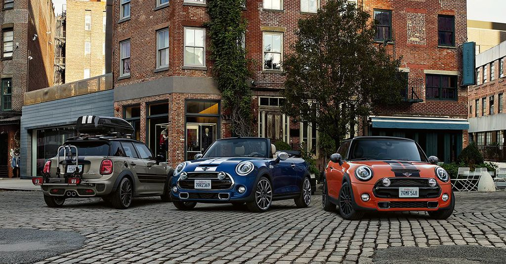 MORE MINI FOR YOUR MONEY.  Get yourself a MINI and a great deal too. Exceptional finance offers from MINI Finance on all new models. Find out more today: https://buff.ly/2TSZ5RU  #MINI #NorthShoreMINIGarage #Chatswood #MINIFinancepic.twitter.com/nF78EszQ9Q