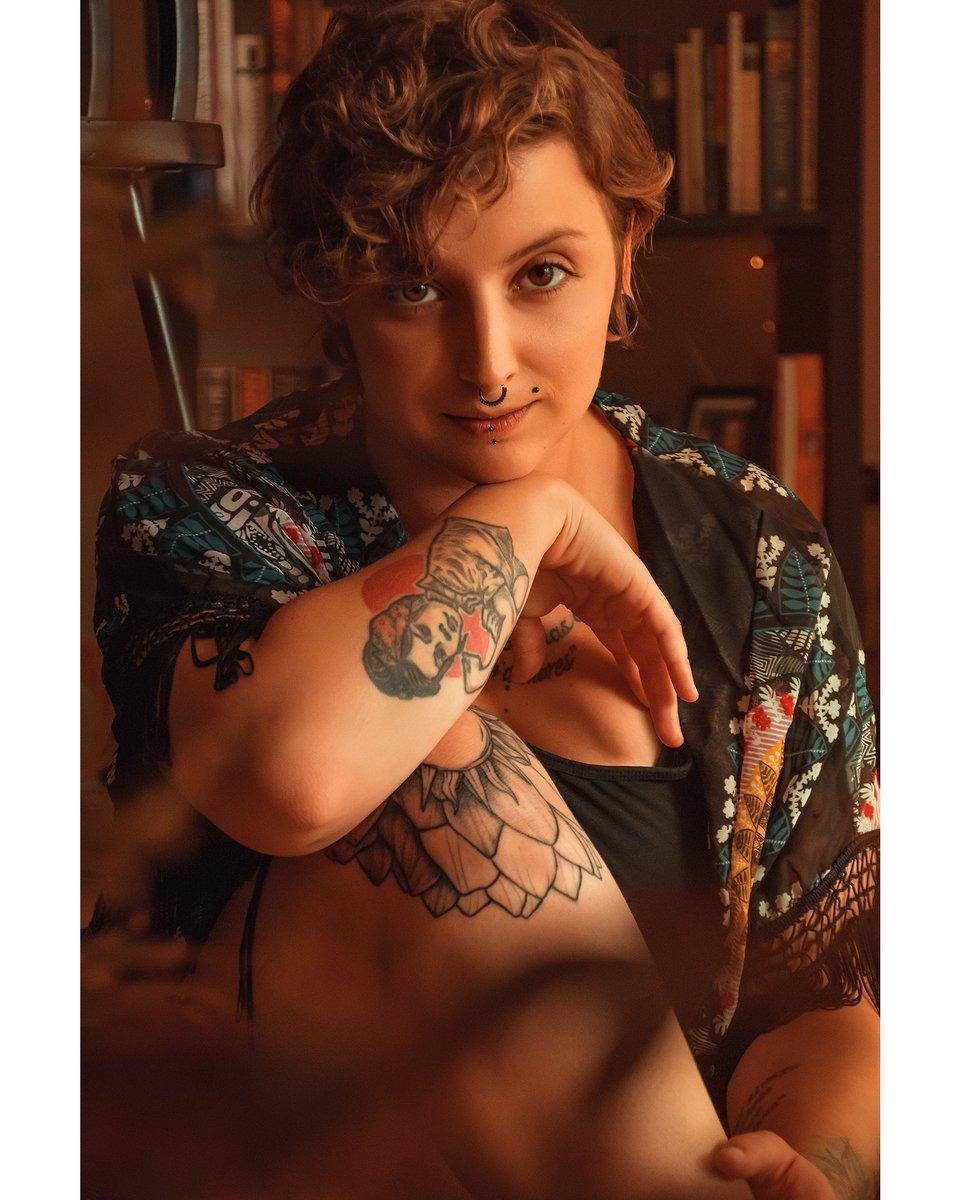 من و تو You and me .  @bendinglines_  //  #headshot #sunlight #light #sun #stayhome #tattoo #tattooart #dublin #editing #europe  #instaphoto #ireland #photo #photographer #photography #freelancephotographer #professionalphoto #profile #music #shooting #shootingday #tattooartistpic.twitter.com/0lNurp9hpL