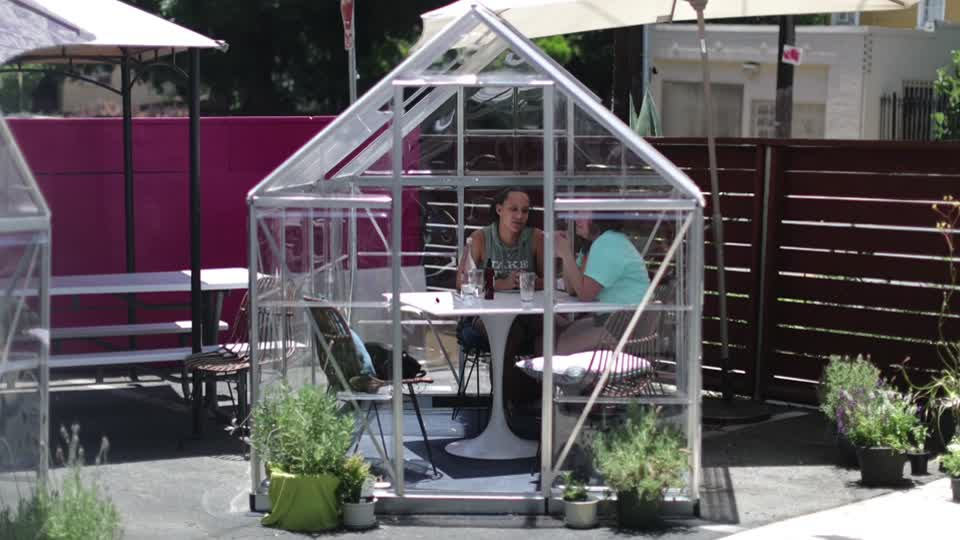 Ever wanted to dine in a private greenhouse surrounded by flowers, herbs and plants? The Lady Byrd Café in Los Angeles has you covered https://t.co/qMzXwVsJMy https://t.co/xIlh3g2VK0