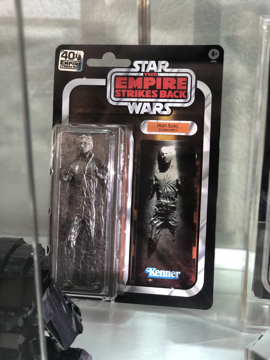 Loving the new Carbonite Han from @Hasbro, which perfectly complements last year's Boba Fett – an exclusive from #SDCC2019. #starwars #hansolo #bobafett #hasbro<br>http://pic.twitter.com/PCg8pgoDYF