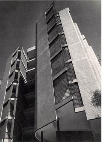 Solamente esto: #Coderch ,edificio girasol ,1966, Madrid. https://t.co/x3nzNik9nV