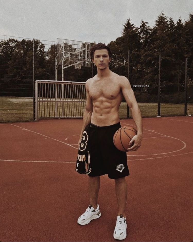 If you work your ass off in the gym, diet properly and stay dedicated, you can go from where they started as skinny and have the same athletic muscular physique as Tom Holland and THE ROCK. just don't give up. I did it,Trust me pic.twitter.com/9uUUi5Sli6