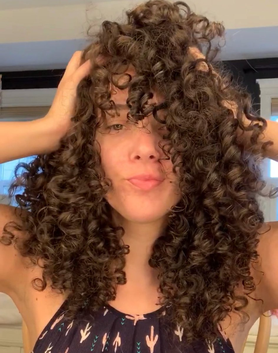 Check on your curly haired friends who have been overdue for a trim for months because of covid. We are not okay in this heat. #curlyhair #curls #curly #hairoftheday #naturalhair  #curlygirl #longhair #teamnatural  #haircut #naturalcurls #mixed #cgm #curlygirlmethod #3bcurlspic.twitter.com/K8PyOdfqJy