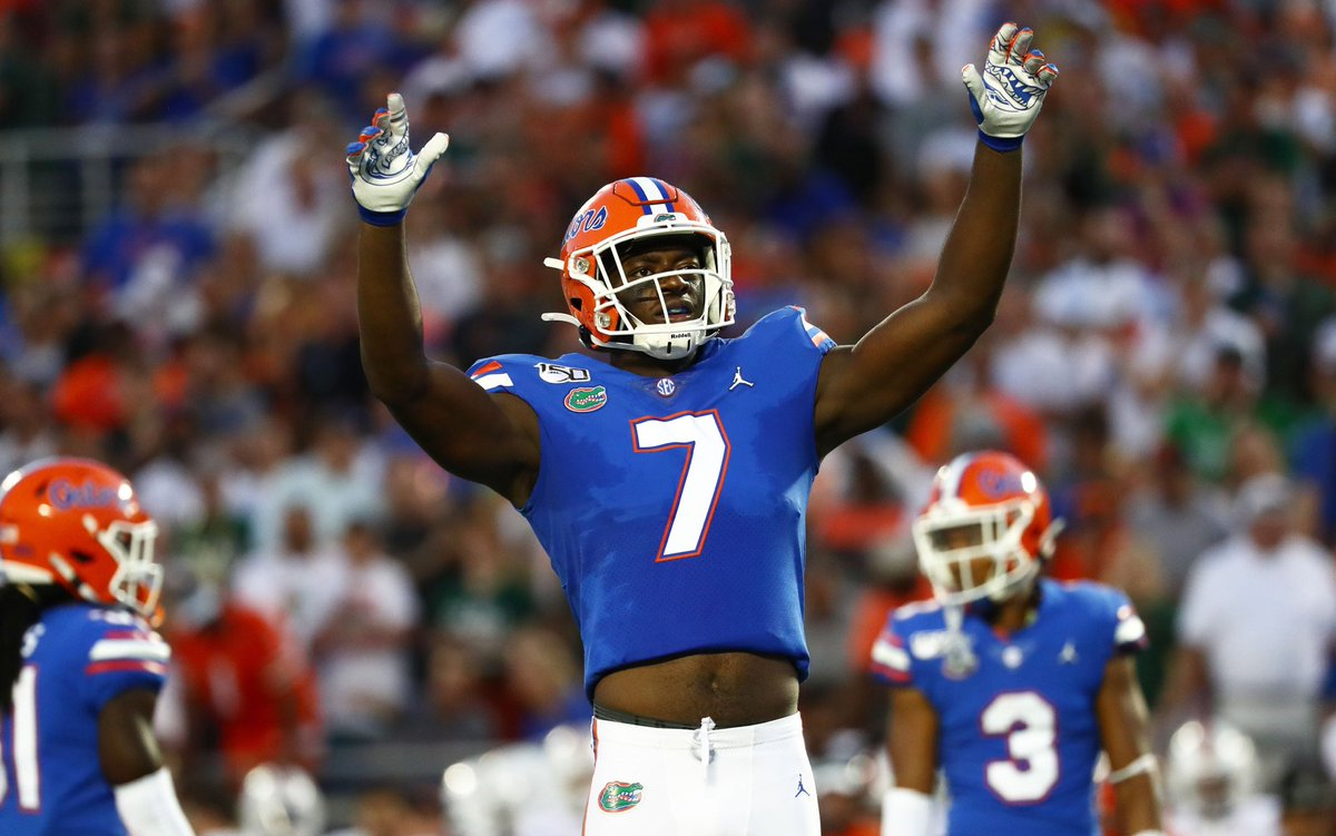 While it hasn't translated into great stats yet, @GatorsFB OLB Jeremiah Moon is one of the most physically talented defenders in '21 draft. Moon is only guy we've seen so far that flashes high ceiling rush talent and can also run with TE down the seam. #TheDraftStartsInMOBILE https://t.co/RPzA6ifBiD