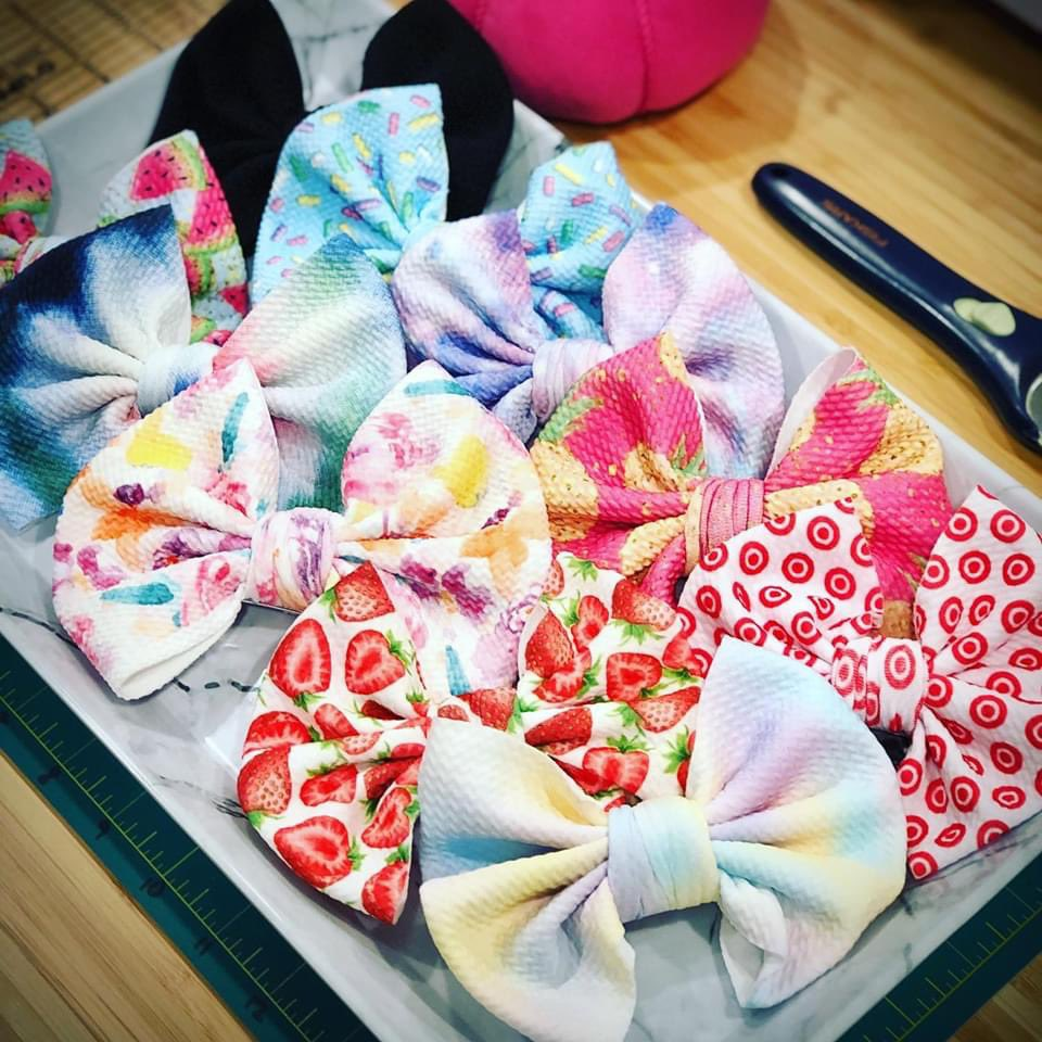 I LIKE BIG BOWS AND I CAN NOT LIE! Ya'll other mother's can't deny, when a baby walks in with a itty bitty nose and a BIG BOW in your face you get...🤔 well, you just think it's super cute!!! Check out our #etsyshop @livevaccarously for new additions: https://t.co/W9otqLTJos https://t.co/nFkn91gjry