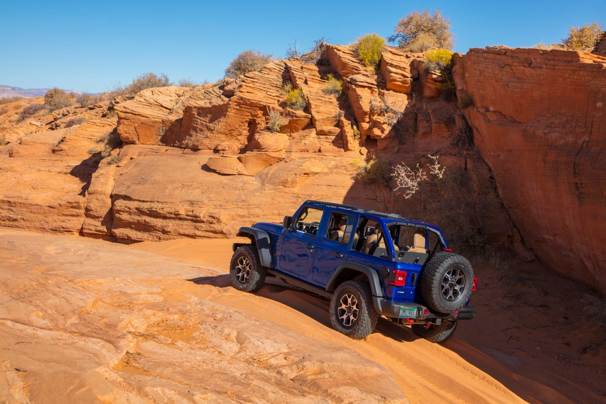 The king of the mountain. The 2020 @Jeep #Wrangler Unlimited #Rubicon full review: https://t.co/47ws4NReT5 https://t.co/gRkhgQo37Q