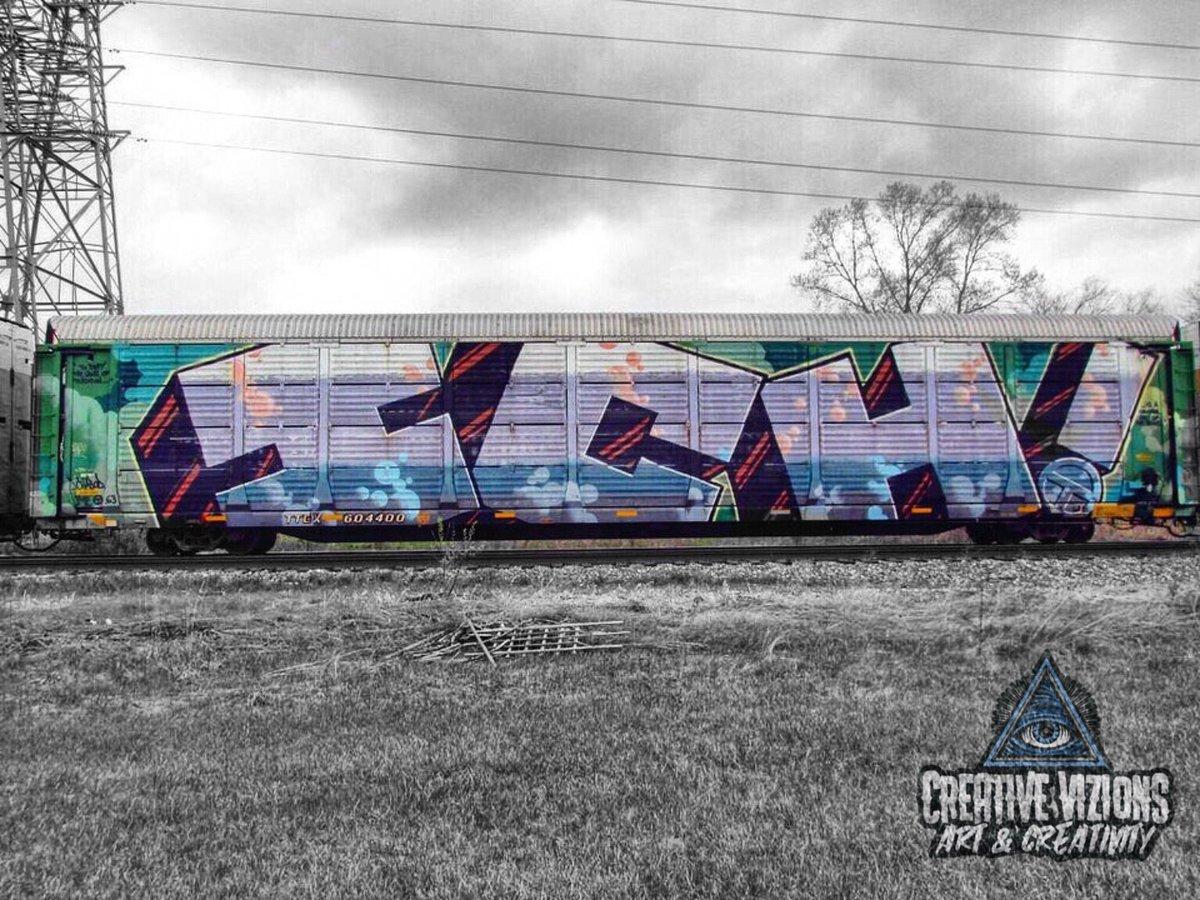 """""""Just another day benching and another ICHABOD rolling by"""" #streetart #graffiti #art #urbanart #graffitiart #streetphotography #street #mural #streetarteverywhere #photography #wallart #artist #artwork #graff #streetstyle #painting #streetartphotography #creativizionspic.twitter.com/vt1D10eBD4"""