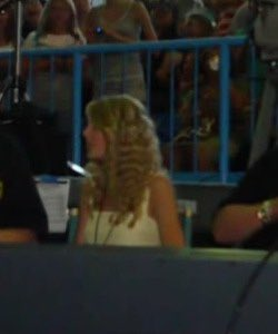 taylor at a jonas brothers concert   july 9, 2008  <br>http://pic.twitter.com/avWsl1toQM