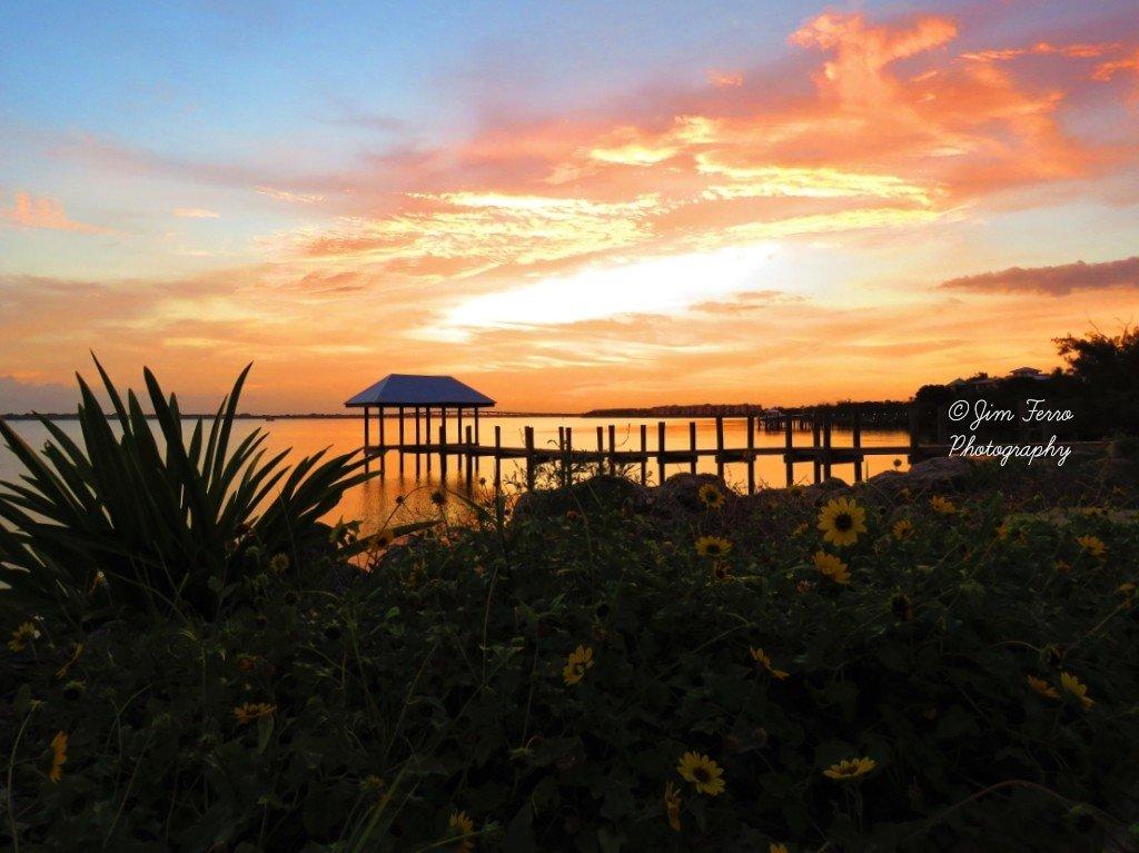 Awesome sunset tonight from the House of Refuge   #houseofrefuge #gilbertsbar #discovermartincounty #visitflorida #stuartmagazine #canonsx60hs #canon #floridacreations #stormhour #thephotohour #treasurecoast #discovermartin #florida_greatshots #hutchinsonisland #lovefl https://t.co/xXzjoWGQHo