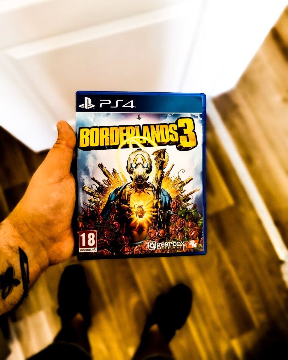 Showing love for borderlands to had to pick it up for 10 quid looking forward to playing it with my partner #borderlands #Borderlands2 #borderlands #gamer #playstation4 #ps4 #gaming @GearboxOfficialpic.twitter.com/fCH9fuCK8s