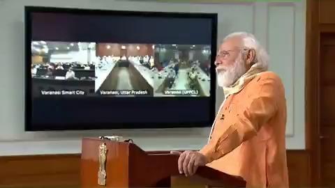 हम सभी के प्रयासों से हमारी काशी भारत के एक बड़े एक्सपोर्ट हब के रूप में विकसित होगी।   काशी को हम आत्मनिर्भर भारत अभियान की प्रेरक स्थली के रूप में भी स्थापित करेंगे।