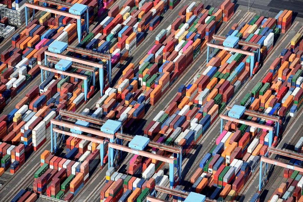 German exports rebound in May as end of lockdown revives demand https://t.co/aokuDKi3za https://t.co/N5OqAZuSbI