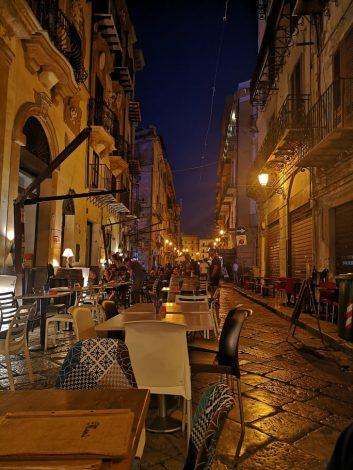 """I ristoratori palermitani aderiscono a RestART, """"Serve aiuto dalle istituzioni"""" - https://t.co/xNsa7ueEbF #blogsicilianotizie"""