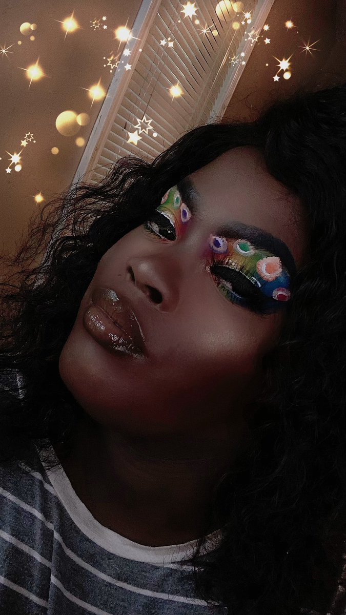 This is for pride month #makeupartists #makeupgoals #unleashyourinnerartist #abhbrows #hudabeauty #makeupaddict #makeupartist #fentybeauty #milkmakeup #melanin #colourpopcosmetics #plouisemakeupacademy #thecrayoncase  #anastasia #morphe #beautybakerie #suvabeauty #sigmapic.twitter.com/omkaj8VHQX